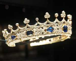 Queen Victoria's sapphire crown designed by Prince Albert 1840